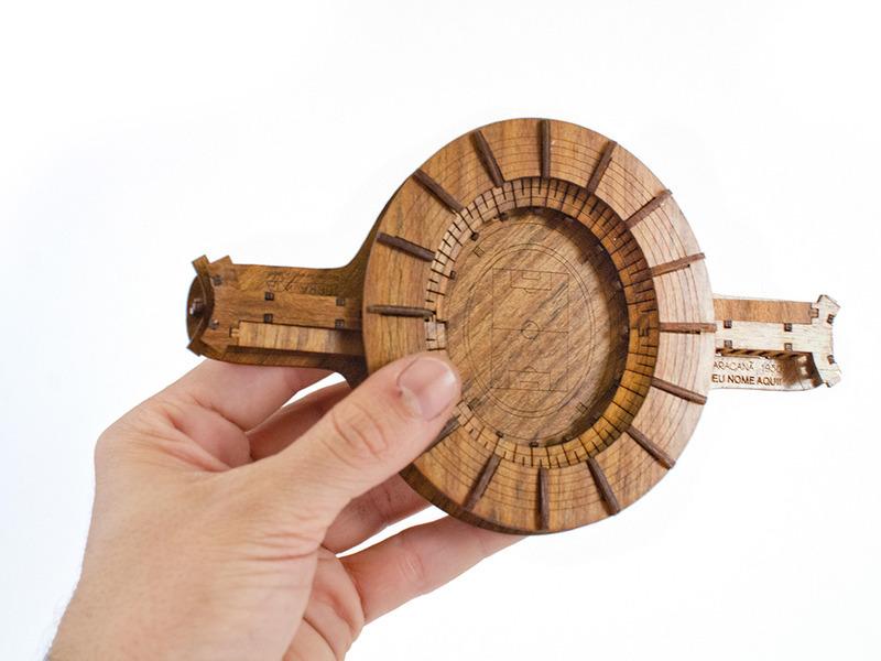 Miniaturas Sustentáveis do Rio feitas de madeira