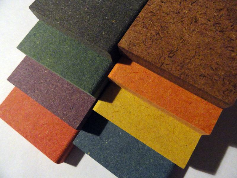 Aglomerado de madeira colorido